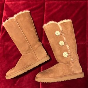 UGG — Bailey Button Triplet Boot